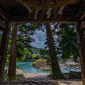 楼門の外は楽園